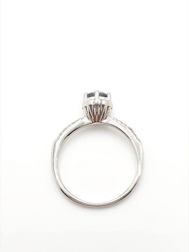 Silber Ring mit eingelegtem blauen Kristall 3