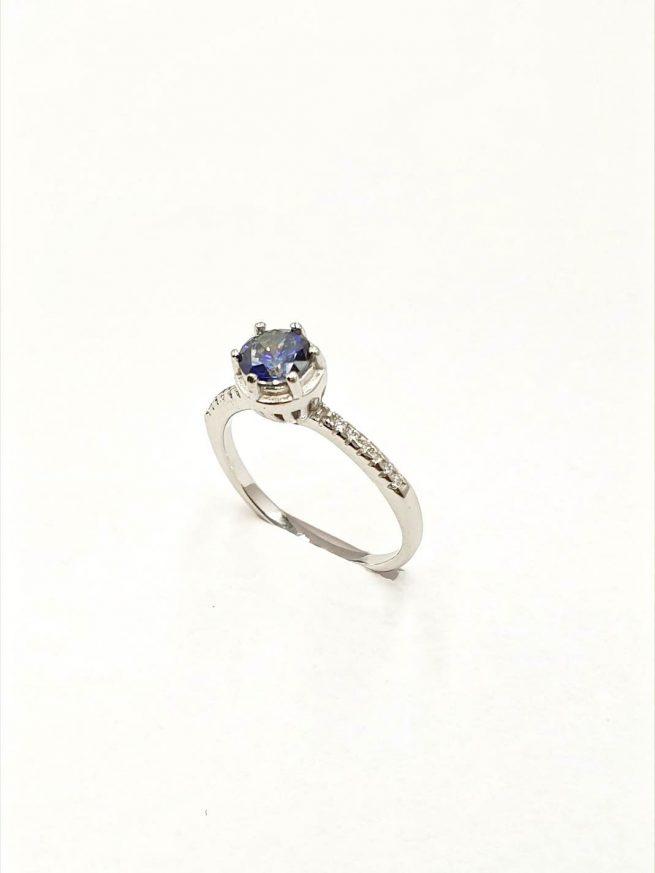 Silber Ring mit eingelegtem blauen Kristall 2