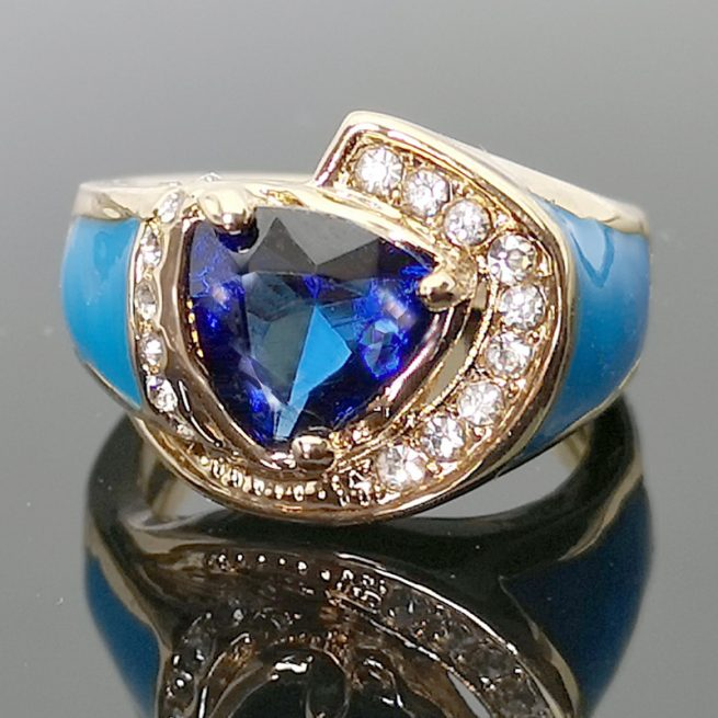 Modischer Ring 2