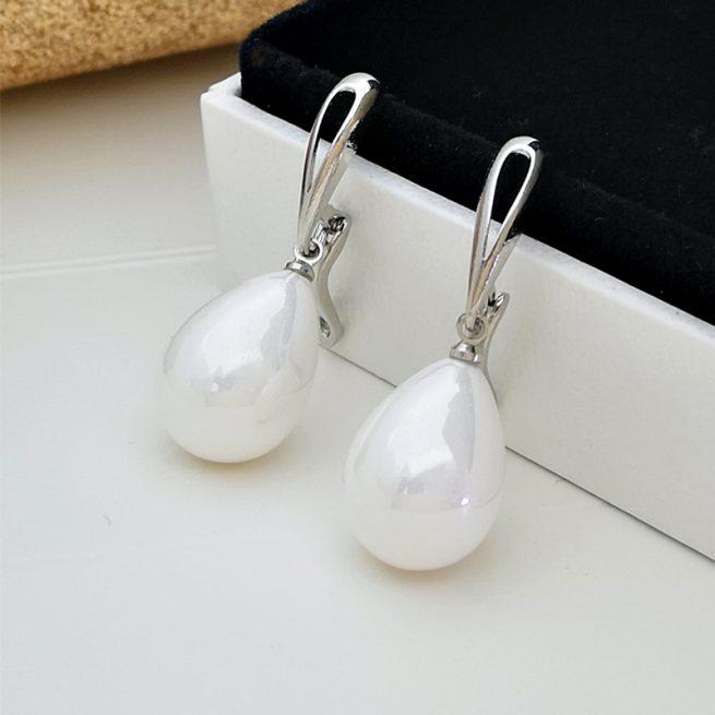 Modische Perlenohrringe 4